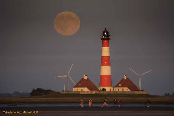 Fotogruppe am Leuchtturm